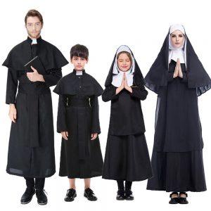 Disfraz de curas y monjas para la familia